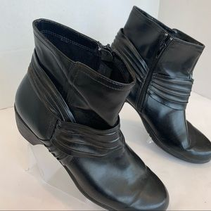PREDICTIONS Comfort Plus size 11 booties with trim